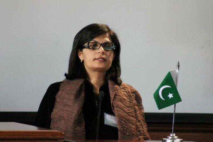 ثانیا نشتر دانشمند خانم پاکستانی