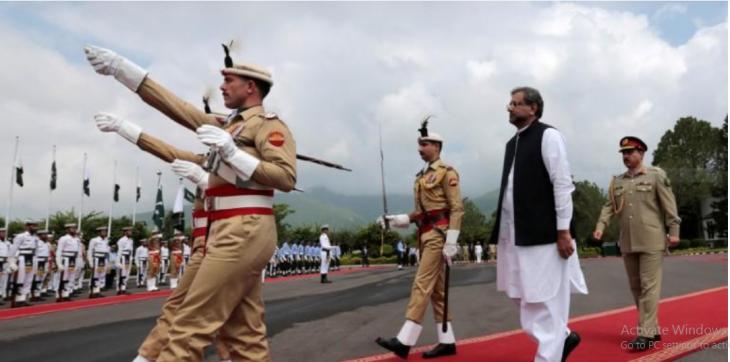 شاهد خاقان عباسی نخست وزیر پاکستان