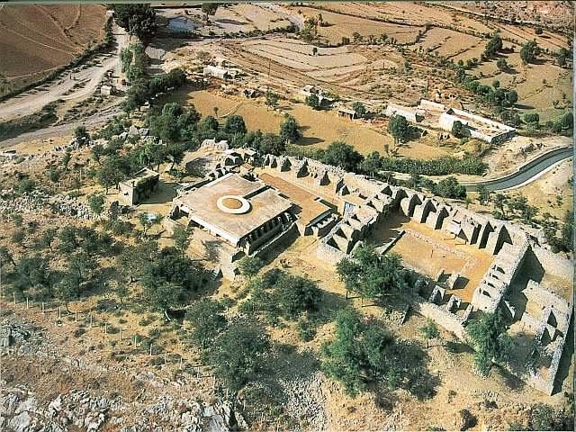 Jaulian university