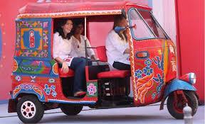 رکشا در خیابان های لاهور