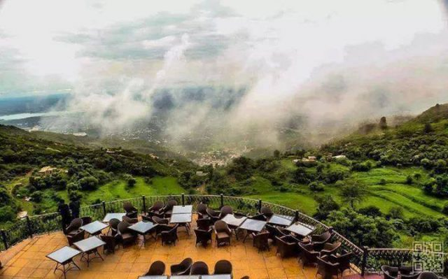 -When-Clouds-Cover-Monal