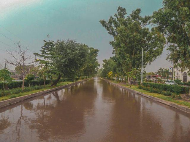 Faisalabad_Canal_Way