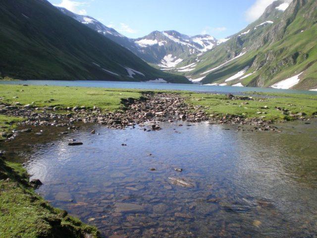 دریاچه سارال در دره نیلم، آزاد کشمیر