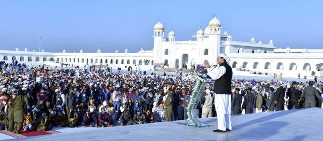 PM Imran urges Modi to resolve Kashmir dispute through parley