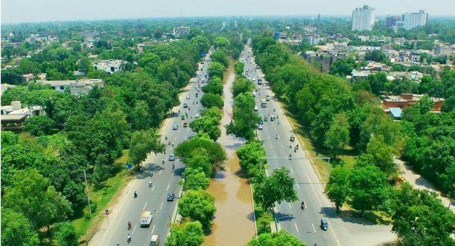 کانال در شهر لاهور پاکستان