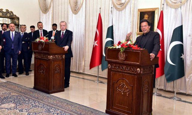 At joint press conference, PM Imran thanks Erdogan