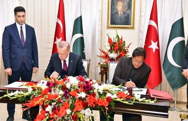 Pakistan and Turkey sign 13 documents to boost cooperation