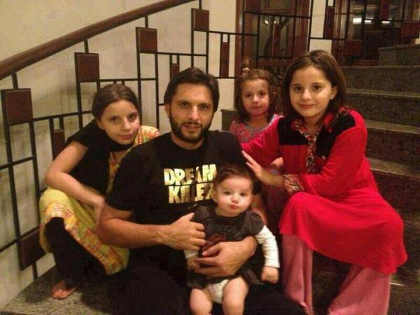 Shahid Afridi blessed with yet another baby girl
