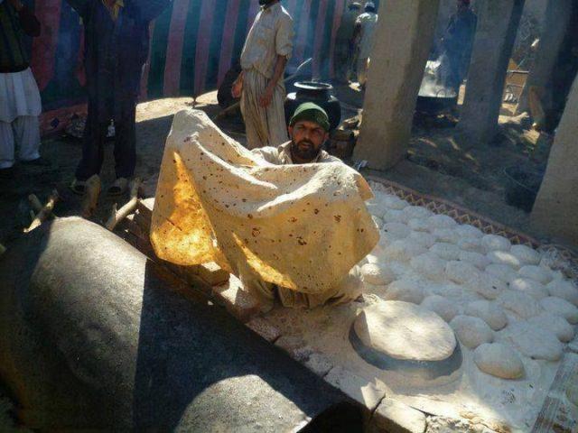Big Roti From Bannu Pakistan
