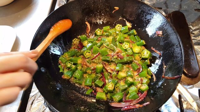 Cooked Okra – Goan Ladyfingers Recipe