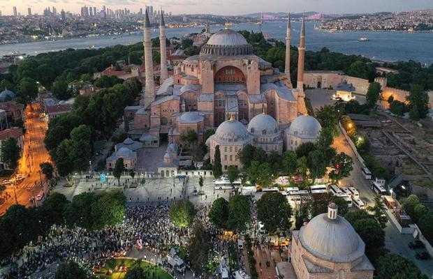 PM Imran Khan applauds reopening of Hagia Sophia