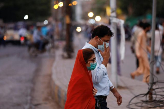 Pakistan gives go-ahead to Phase 3 COVID-19 vaccine trial