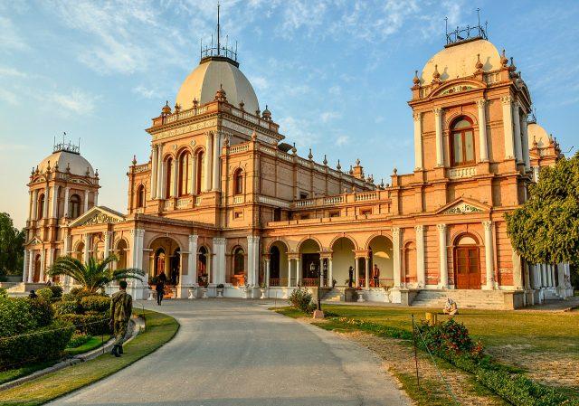 15 Noor Mahal is a palace in Bahawalpur.
