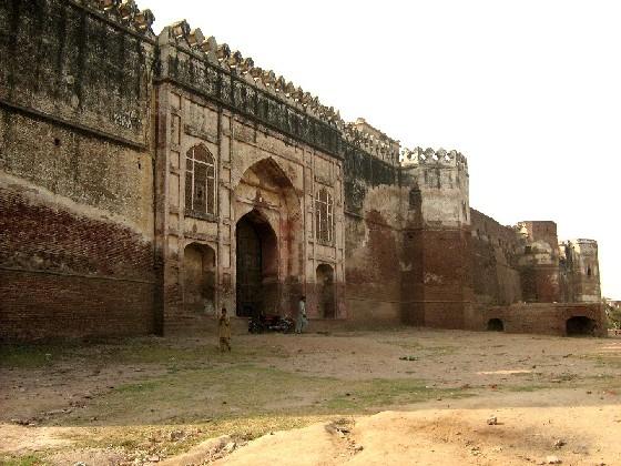 3-2 Sheikhupura Fort