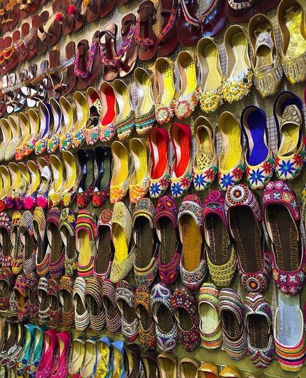 What is it like to visit Anarkali Bazaar Lahore, Pakistan