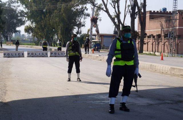 Pakistan Extends Coronavirus Lockdown