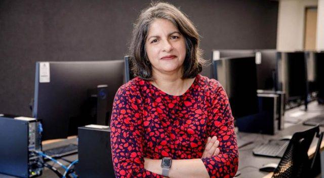 Pakistani scientist honoured in Australia for innovative STEM research