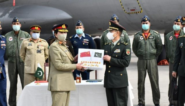 Chinese army donates Covid-19 vaccine to Pak Armed Forces