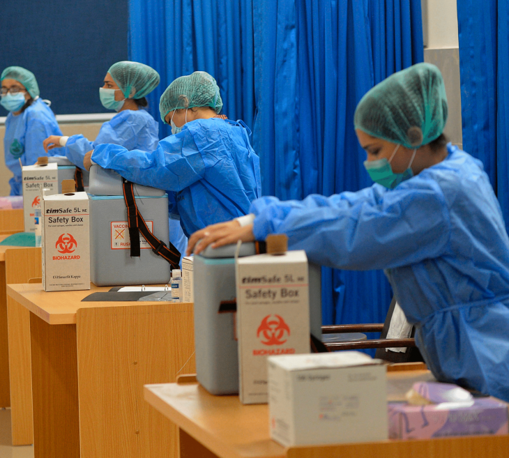 WHO is Impressed With Pakistan's COVID-19 Vaccination Centres