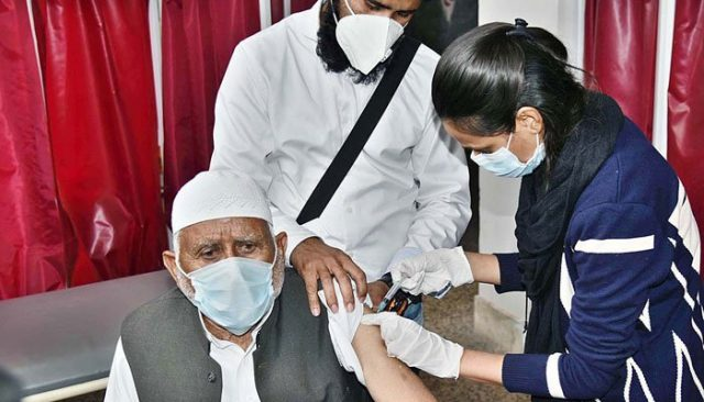 OVID-19 vaccines in pakistan