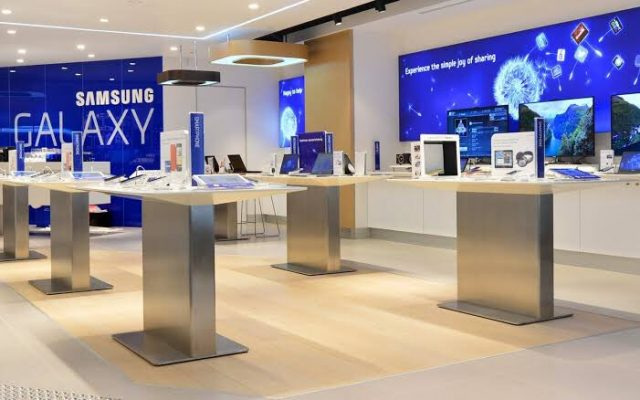 Samsung enters in an agreement with Lucky Group as local partners