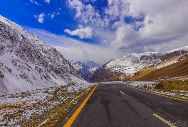 Karakoram-Highway-Snow
