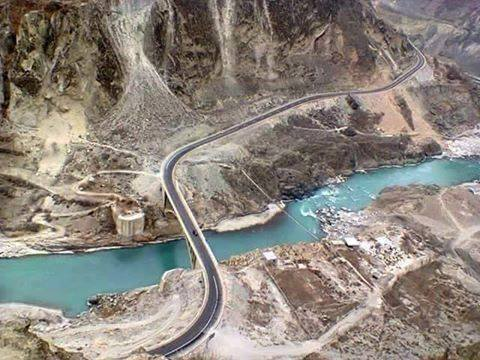 The-bridge-that-connects-hunza-with-nagar-valley