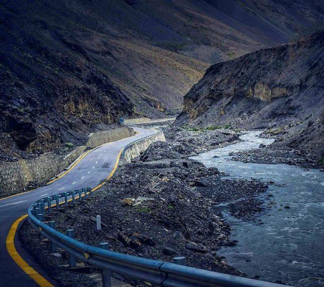 3 Karakoram-Highway-1