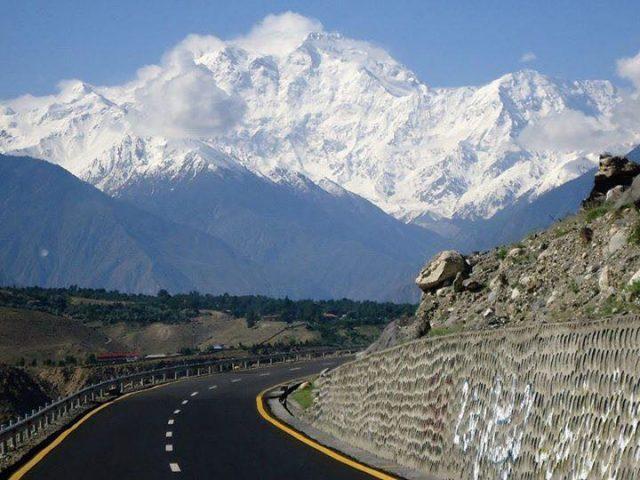 8 Karakoram-Highway-6