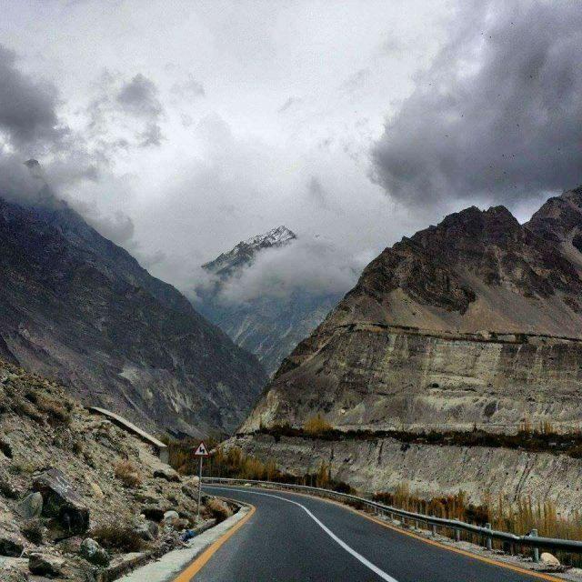 9 Karakoram-Highway-7