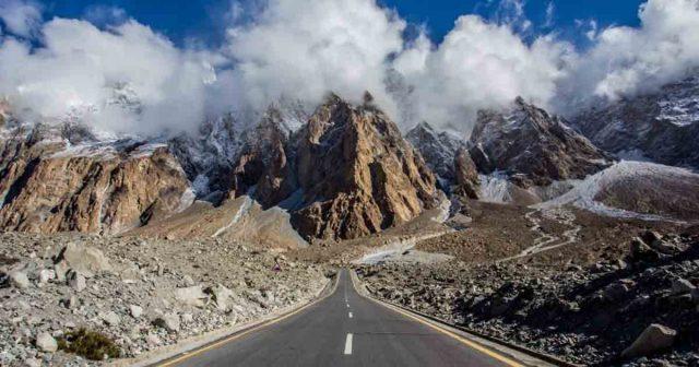 Karakoram-Highway-ranked-among-the-worlds-most-beautiful-roads