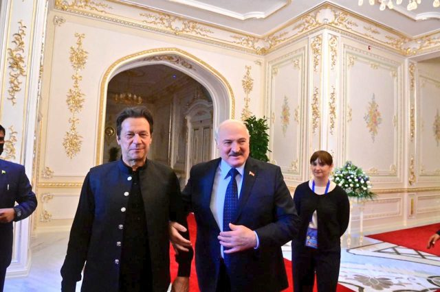 11 imran khan meets H.E. Alexander Lukashenko, President of Belarus at Dushanbe
