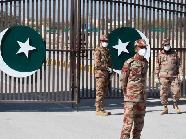 15 Iran-Pak-border-MIRJAVEH